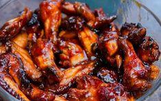 Barbeque kuřecí křidélka jak z donášky – RECETIMA Chicken Wings, Poultry, Meat, Food, Backyard Chickens, Meals, Buffalo Wings