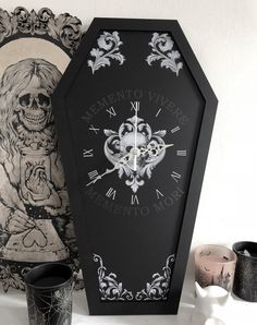 Curiology Memori Kori coffin clock