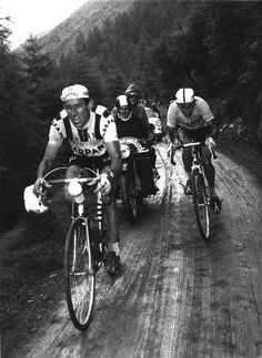 Anquetil fighting it out in Giro di Lombardia...!