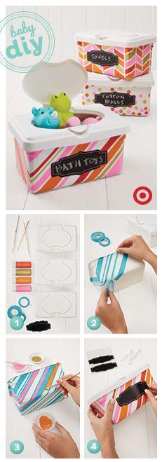 Reciclar as embalagens de toalhitas para guardar outros artigos de bebé. Ou então apenas decorá-las para guardar as toalhitas feitas em casa, ou recargas...