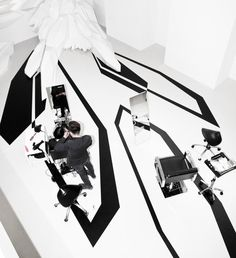 Fudge Hair Pop-up Salon - Design - Zaha Hadid Architects Beauty Salon Interior, Salon Interior Design, Salon Design, Beauty Salons, Interior Ideas, White Hair Salon, Fudge Hair, Zaha Hadid Design, Architecture Magazines