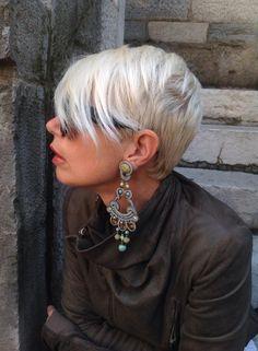 Luisa is wearing our statement Esprit earrings with swagger... :)) #DoriCsengeri #statementearrings #longearrings #styling #fashion