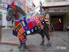 32 Examples of Guerrilla Knitting -