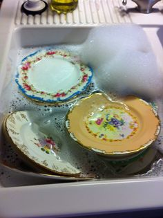 All my pieces need a good bath after a busy night!#vintagechina#wedding