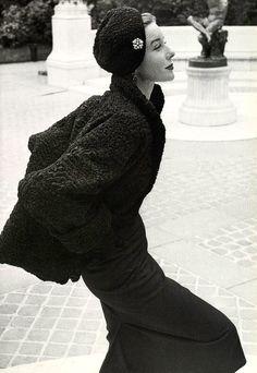 Bettina wearing Revillon photo Emile Savitry 1952