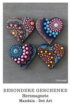 Suchst Du noch eine besondere Geschenkidee für einen lieben Menschen? In meinem Etsy-Shop findest du wunderschöne handgemachte Magnete im Mandala-Dot Art-Stil. Schau einfach vorbei und lass dich inspirieren. #Geschenk #Geburtstag #Handmade #Kühlschrankmagnet #Magnet #Mandala #Dotart #Dotmagie #Liebe #Herz #Weihnachten Rock Painting Patterns, Dot Art Painting, Rock Painting Designs, Mandala Painting, Mandala Painted Rocks, Mandala Rocks, Hand Painted Rocks, Heart Crafts, Rock Crafts