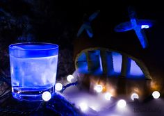 Halloween Cocktails: Ghostly White Wine Spritzer glows-in-the-dark cocktail