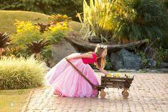 Vestidos para Daminhas: 18 Modelos para você se inspirar | Blog Site da Noiva - pequena_dama_02_dorian_mendes