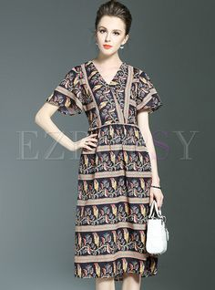 Shop for high quality Chiffon Floral Print Slim V-neck Short Sleeve Skater Dress online at cheap prices and discover fashion at Ezpopsy.com