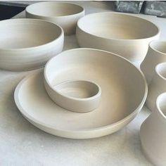 @kim_westad tillverkar dessa underbara fat ♥ #keramik #ceramic #keramikk #ceramics #clay
