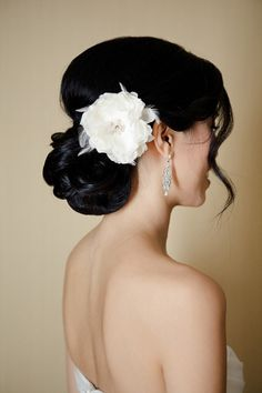 White and Gold Wedding. Bridesmaid Hair. hairstyle