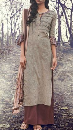 Beautiful Cotton-Khadi Kurta with superb detailing. Khadi Kurta, Kurta Cotton, Cotton Salwar Kameez, Churidar, Kurta Designs Women, Salwar Designs, Kurta Patterns, Dress Patterns, Dress Neck Designs