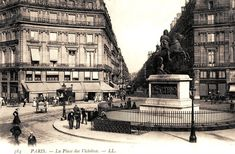 La rue Etienne-Marcel vue depuis la place des Victoires, vers 1900.