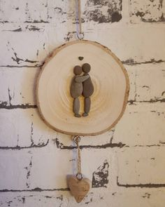 me&you #meandyou#kiesel_und_kunst #selfmade#unikate#kieselkunst #pebblesart#love#liebe#paar#habdichlieb #holzscheibe#steinchenkunst #malwasanderes#duundich#loveforever