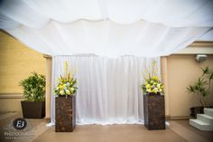 Gorgeous altar floral by Floral Works & Events! #westingaslampweddings