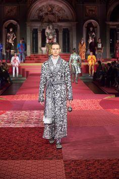 Dolce&Gabbana Alta Sartoria Menswear Show at Palazzo Vecchio - Fashionably Male Menswear, Dresses With Sleeves, Street Style, Long Sleeve, Fashion, Moda, Urban Style, Full Sleeves, Fashion Styles