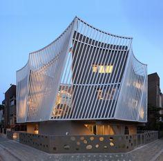 Kyeong Dok Jai / IROJE KHM Architects   more on: http://www.pinterest.com/AnkAdesign/urban-character/