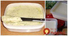 Domáci tavený syr za lacný peniaz, ktorý vyrobíte z jednej kocky tvarohu a jednej lyžičky masla.