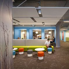 Twitter's headquarters in a 1937 San Francisco building features brightly coloured furniture, padded booths, games rooms and an enormous roof terrace///////www.bedreakustik.dk/home Dedicated to deliver superior interior acoustic experince.#pinoftheday///////