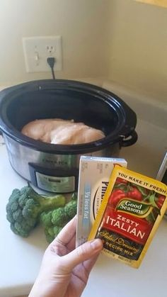 Britney Munday: Healthy Creamy Crockpot Chicken (only four ingredients!) Britney Munday: Healthy Creamy Crockpot Chicken (only four ingredients! Crock Pot Food, Crockpot Dishes, Crock Pot Slow Cooker, Slow Cooker Recipes, Cooking Recipes, Healthy Crockpot Chicken Recipes, Italian Recipes Crockpot, Low Calorie Crockpot Meals, Delish Chicken Recipes