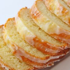 Lemoncello Pound cake - love lemon and pound cake! Perfect spring/summer recipe.