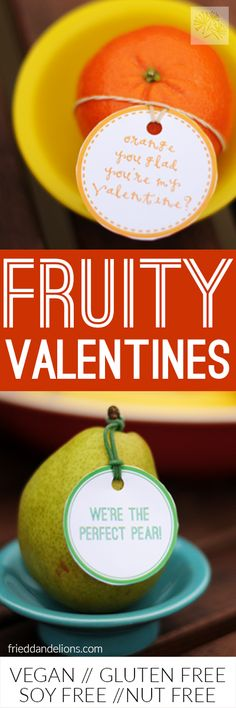 This super simple Fruity Valentine idea is lots of fun and healthy too!  Your kiddos' friends are going to love it!  (FREE printable!) via @frieddandelions