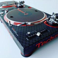 Custom Technics MKII x Q.Bert Concorde #scratch #scratching #turntable #turntablism #turntablist #dj #djing #djgear #realdjing #clubdjing #djbooth #artofdj #vinyl #vinyllover #vinylrules #music #studio #homestudio #skillz #accuracy #digitaldjing #digitaldj #concorde #denmark #vinylpreservation #technics #mkii #custom