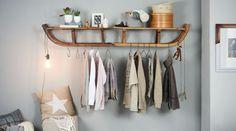 Aus zwei alten Schlitten lässt sich eine prima Garderobe bauen.