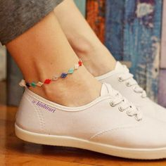 See our Anklets - Women made from a superb variety at Bijou. Handmade Jewelry Designs, Beaded Jewelry Patterns, Handcrafted Jewelry, Ankle Jewelry, Ankle Bracelets, Diy Bracelets Easy, Ankle Chain, Beaded Anklets, Jewelery