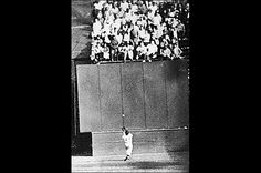 "illie Mays' Catch  1954, Game 1  ""I had it the whole time,"" Giants center fielder Willie Mays quipped after making his famous catch of a shot off the bat of Cleveland's Vic Wertz. He probably did. Depending on whom you talk to, Wertz hit the ball between 450 feet and 450 miles in the cavernous Polo Grounds, with runners on first and second in the top of the eighth of a 2-2 game. Mays' improbable over-the-shoulder catch saved two runs, and the Indians now had runners on first and third with…"