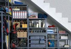 Todas tus cosas organizadas y a mano con estanterías de metal, un sistema de almacenaje práctico y económico. #bricolaje #decoracion