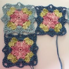Transcendent Crochet a Solid Granny Square Ideas. Inconceivable Crochet a Solid Granny Square Ideas. Crochet Blocks, Granny Square Crochet Pattern, Crochet Flower Patterns, Crochet Squares, Crochet Blanket Patterns, Crochet Motif, Crochet Flowers, Knit Crochet, Granny Squares