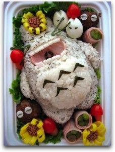 Japanese bento art: It's a laughing grey Totoro bento! Japanese bento art: It's a laughing grey Totoro bento! Sushi Monster, Monster Food, Anime Bento, Japanese Bento Box, Japanese Food Art, Japanese Dishes, Totoro Japanese, Japanese Recipes, Kawaii Bento
