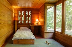 Frank Lloyd Wright Pope Leighey house - bedroom