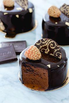 Decadent and velvety chocolate mousse with chocolate mirror glaze , cake cheesecake cake cupcakes cake decoration cake fancy dessert cake Mini Desserts, Mini Dessert Recipes, Plated Desserts, Homemade Chocolate, Chocolate Recipes, Chocolate Cakes, Chocolate Desserts, Cupcakes, Fancy Cake