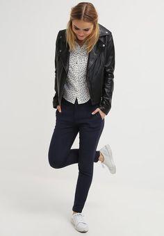 Dames Selected Femme SFMUSE - Pantalon - navy blazer Donkerblauw: € 69,95 Bij Zalando (op 21-1-16). Gratis bezorging & retournering, snelle levering en veilig betalen!