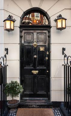 Professor Moriarty in Sherlock Holmes was based on a real person Sherlock Holmes Stories, Sherlock Holmes Benedict, Sherlock Bbc, Benedict Cumberbatch, 221b Baker Street, Escape Room Design, Fake Calligraphy, Sherlock Wallpaper, Professor