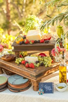 Vibrant Summer California Wedding - MODwedding
