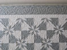 Hunter's Star quilting - to remind me that simple colour choices rather than huge variety makes a hugely effective outcome!!! LOVE the fact that the quilting draws this together, enhances, highlights MAKES the quilt.....oh and those points!!