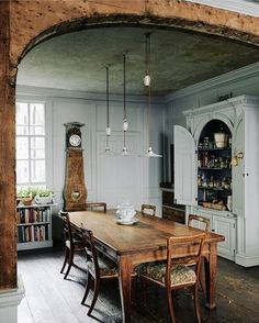 Charming, rustic dining room in Bath, London, UK. With a characteristic respect for the fabric of this eighteenth-century house in Bath, designer Patrick Williams has carefully transformed it into a welcoming home and B&B. Home Interior, Interior Decorating, Interior Design, Decorating Ideas, Decor Ideas, Room Ideas, Interior Livingroom, Kitchen Interior, Dining Room Design
