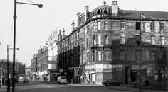 Our close between Shaheen and the wee shop had lovely white tiles when we were there. Every Friday night I skipped out and round to the Palace cinema with my Dad.