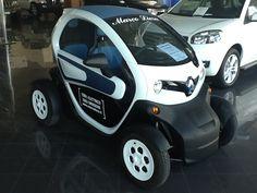 E' unica ed è una piccola grande rivoluzione targata Renault Z.E. Il futuro è già qui e si chiama #Twizy!