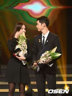 song hye kyo 송혜교 宋惠敎 ♡ song joong ki 송중기 song song couple at the korean popular culture and arts awards ceremony 10.27.2016