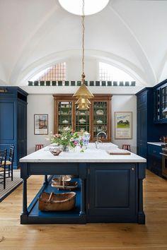 Luxury Kitchens Ben Pentreath creates distinctive and playful architecture and interior design. Modern Home Interior Design, Modern House Design, Interior Design Inspiration, Kitchen Interior, Luxury Interior, Contemporary Interior, Modern Interiors, Kitchen Inspiration, Modern Decor
