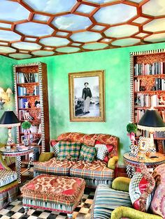Most Popular Ideas MacKenzie Childs for Home Interior Design 21 Small Room Decor, Small Rooms, Mackenzie Childs Furniture, Pink Tub, Mckenzie And Childs, Funky Home Decor, Cozy Cottage, Interior Design Tips, Design Ideas