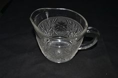 TIARA GLASS POURING CUP VERY DETAILED