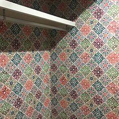 女性で、Otherの、アクセントクロス/ウォークインクローゼットについてのインテリア実例。 「やっぱり可愛い♡テン...」 (2018-04-13 14:09:43に共有されました) Quilts, Blanket, Wallpaper, Quilt Sets, Wallpapers, Blankets, Log Cabin Quilts, Cover, Comforters