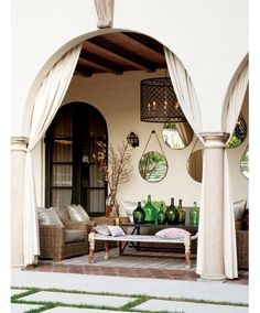 Outdoor lounging area- how fun is this?