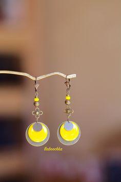 """Boucles d'oreilles """" Dielli"""" sequins bronze et jaune"""