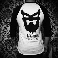 Villains got your back...... @muay_brad a @beardedvillainsuk original rocking the @beardedvillains Hoodlum tee.  ⚔☠⚔ #beardedvillain #beardvillains #stayloyal #beardlife #member #prospectlife #beardedvillainsuk #beardedbadboys #beard #beards #beardedmen #